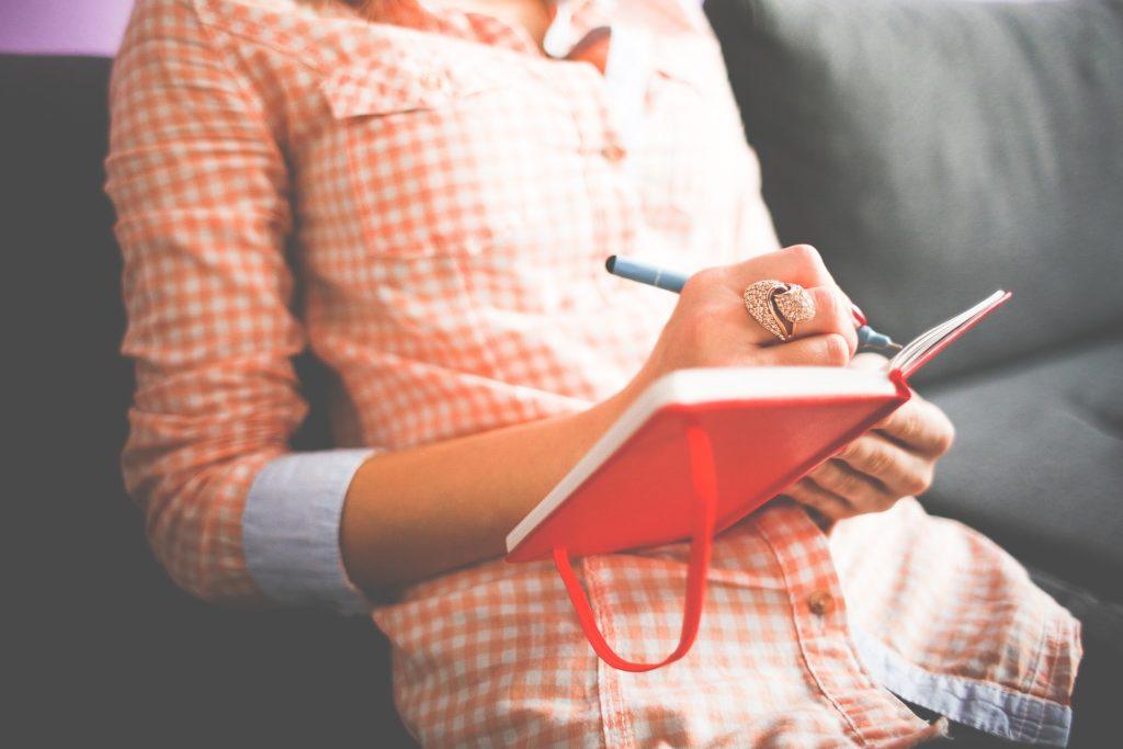want toの要素を書き出してみる。視覚化して確認。書き出していくうちに、自分の気持ちが上がっていくのも確認しながら。