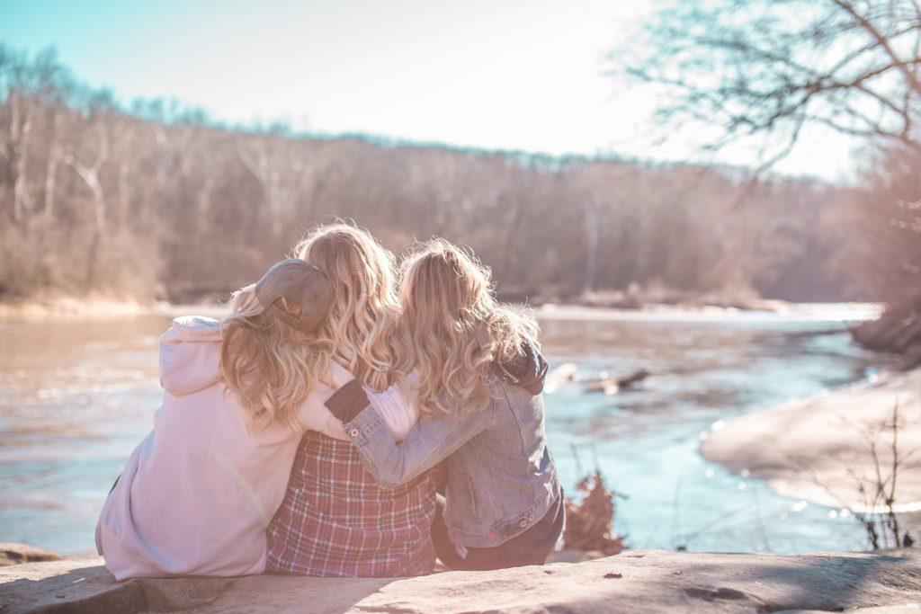 仲の良さ、親近感の正体は共通項や接触頻度