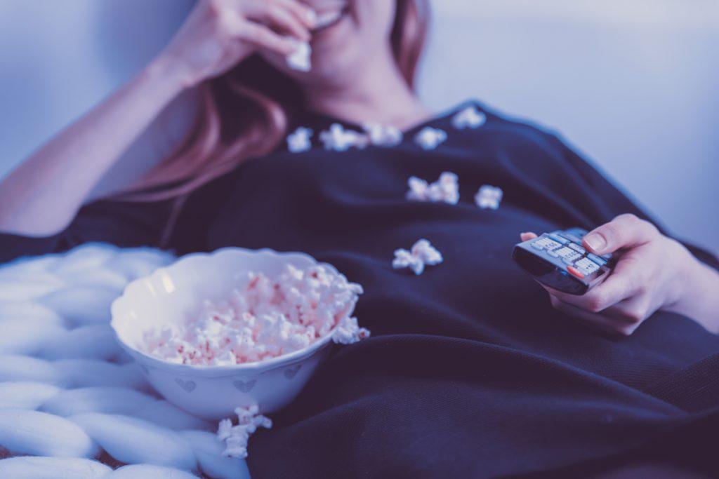 テレビやドラマを延々と見る
