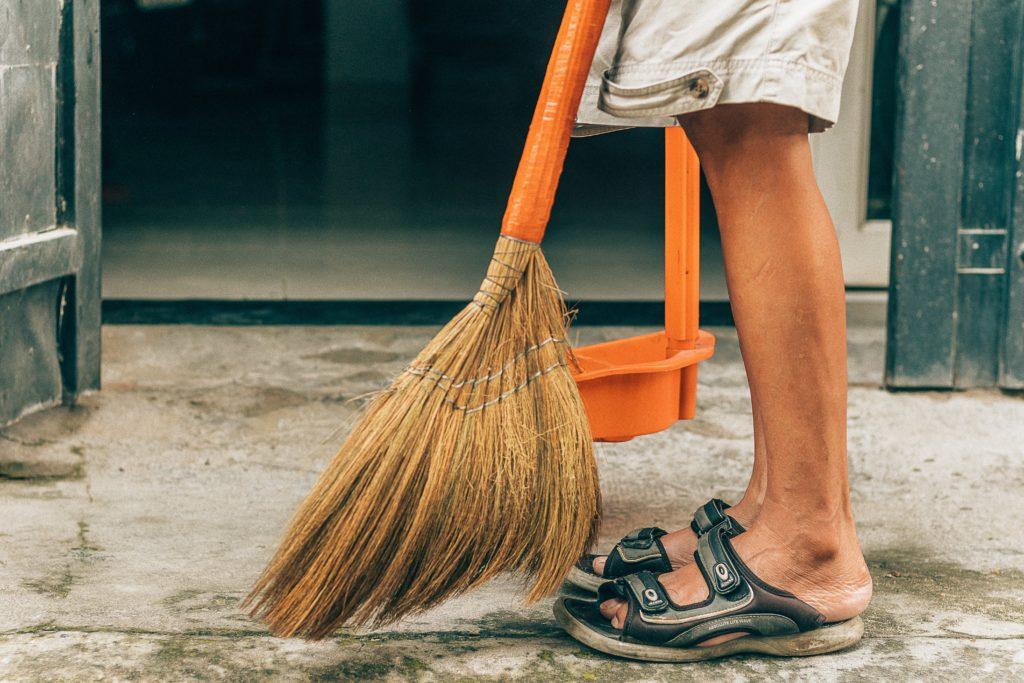 部屋や家の掃除をしてみる